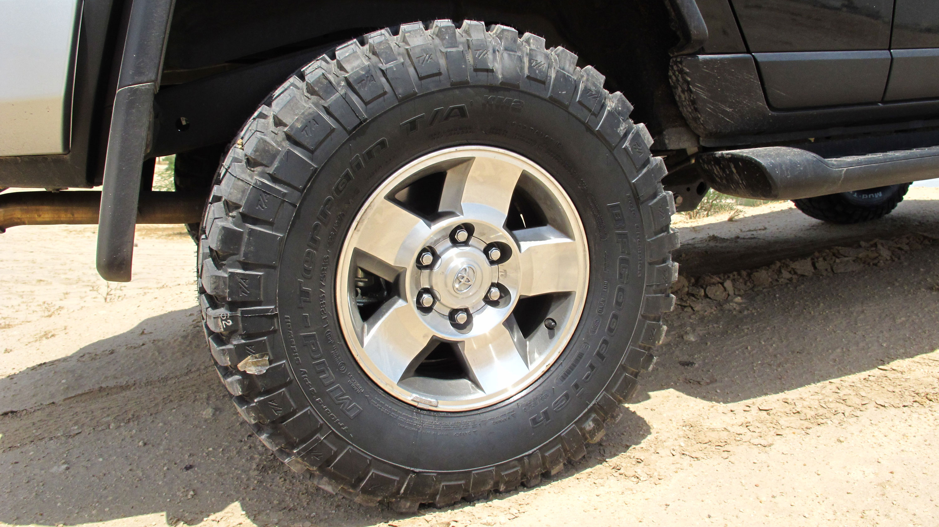 Pictures Of Bfgoodrich Mud Terrain T A Km2 285 75 16 On My Stock 16